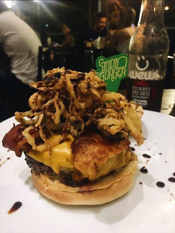 Studio Burger é uma das hamburguerias pioneiras  em Goiânia