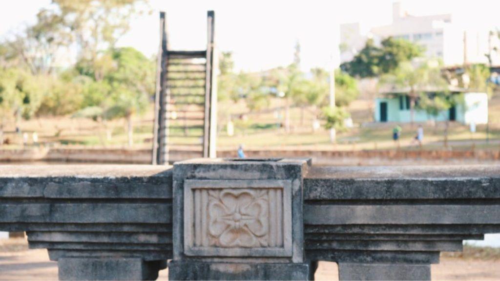 Mureta e trampolim do Parque Lago das Rosas são elementos em Art Déco