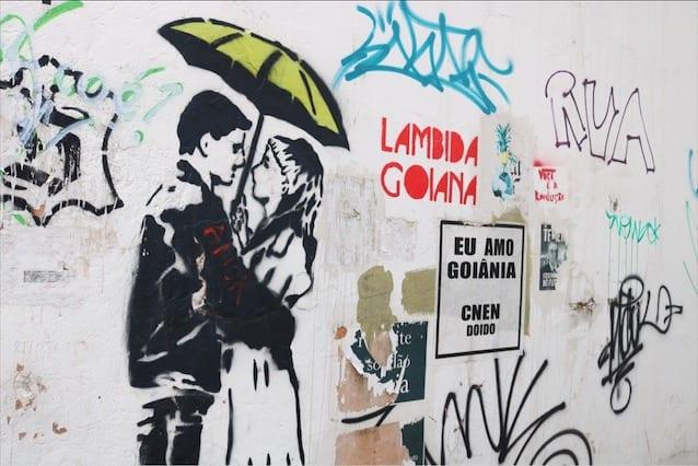 Obra do artista Rustoff em beco acessível pela Avenida Goiás, no Centro de Goiânia