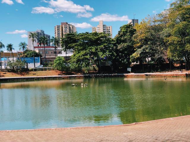 Lago do Bosque dos Buritis, no Setor Oeste, em Goiânia