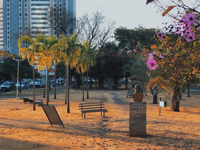 Praça Leo Lynce em Goiânia