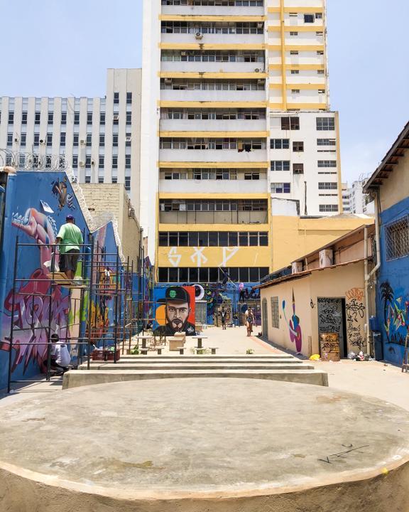 Beco da Rua do Lazer que receberá atividades culturais ganha grafites