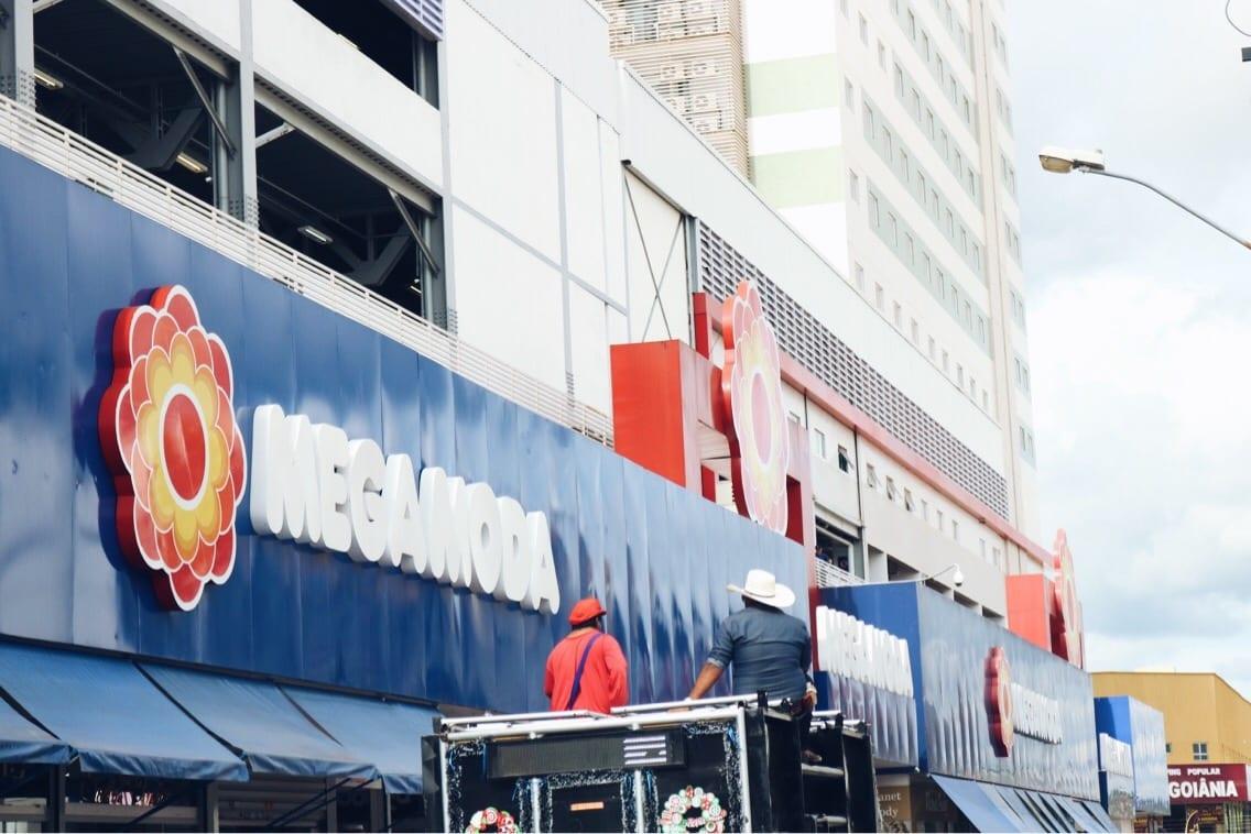 Mega Moda, um dos principais shoppings da Região da 44