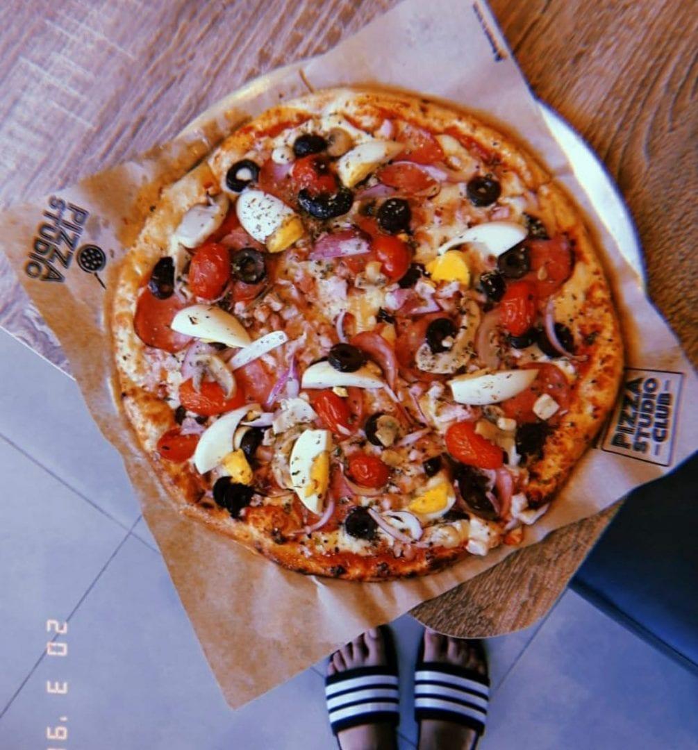 Pizza Studio é uma das 11 pizzarias em Goiânia que você tem que experimentar