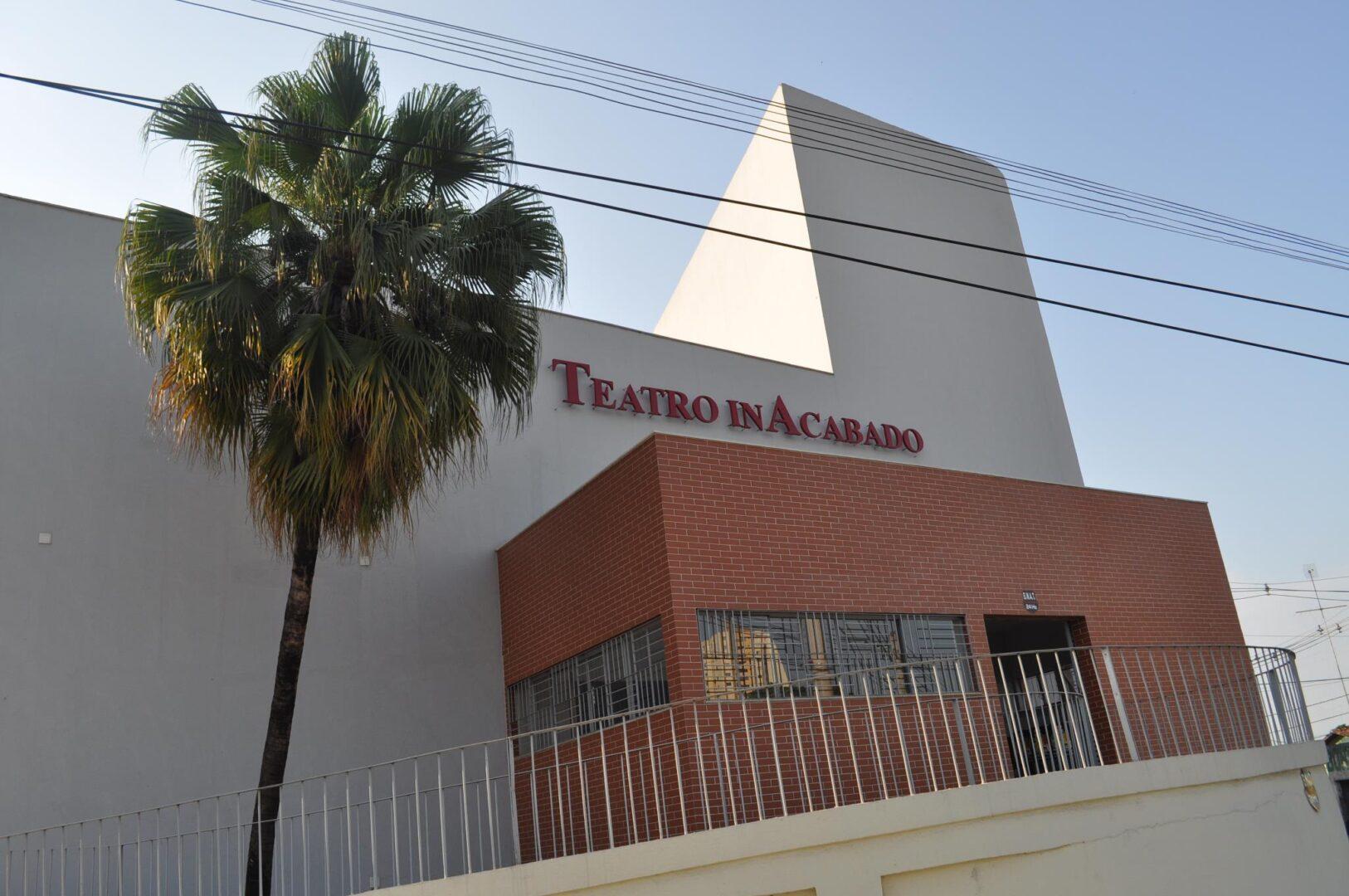 Teatro Inacabado, no Setor dos Funcionários