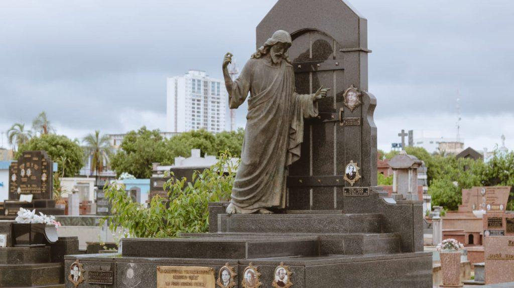 Túmulo do fundador da cidade Pedro Ludovico Teixeira, no Cemitério Santana