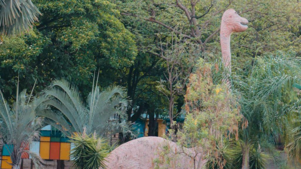 O branquiossauro, do Parque dos Dinossauros, no Parque Mutirama