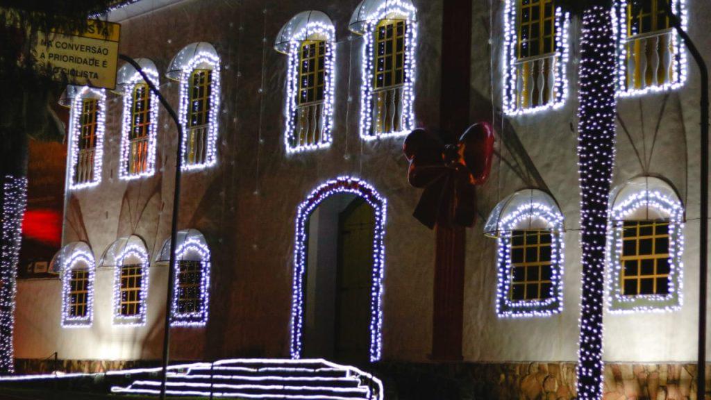 Instituto Rizzo tem iluminação especial de fim de ano