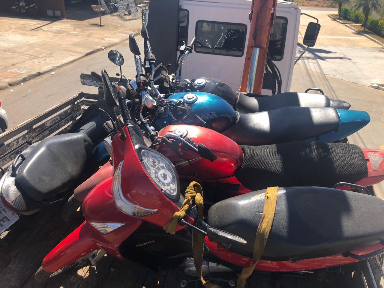 cdb502070ac Policiais se passam por clientes e prendem homem que vendia motos roubadas
