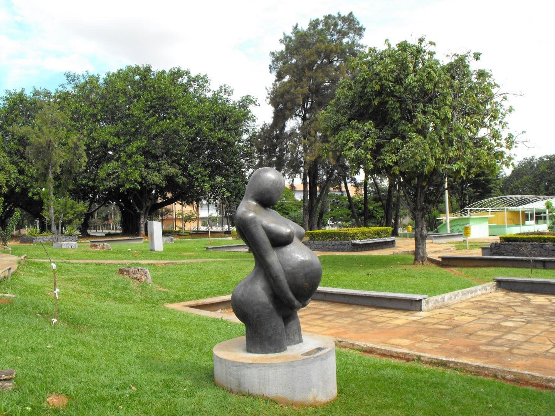 Praça Universitária em Goiânia é simbolo