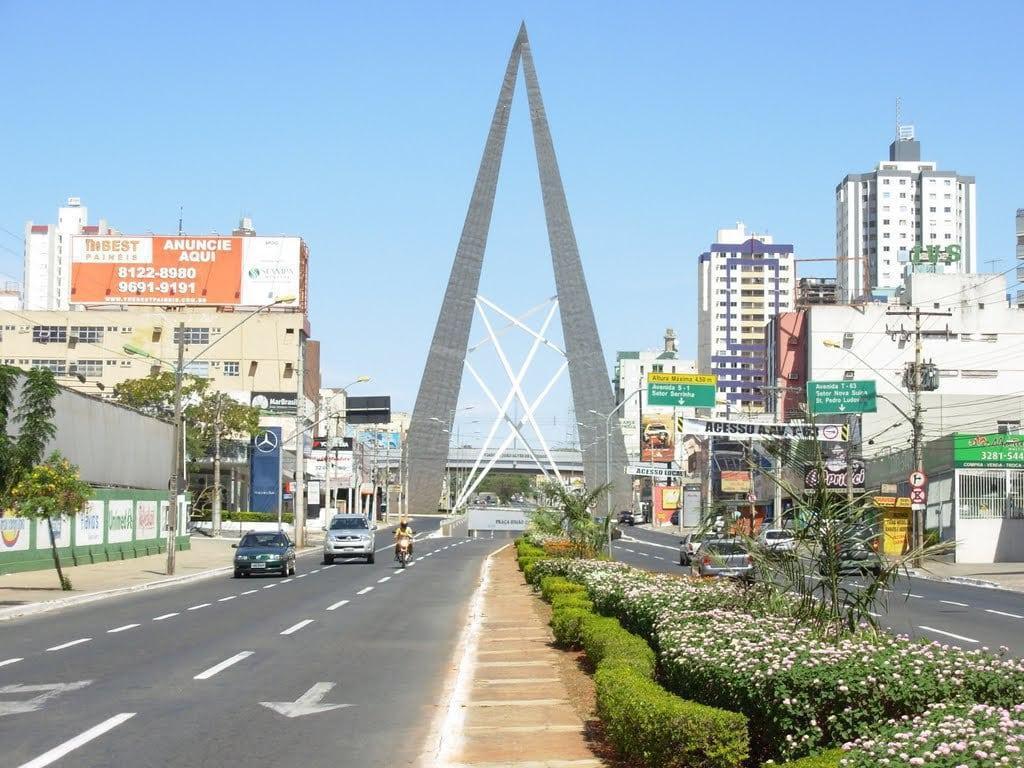 Um passeio pelas mais bonitas ruas de Goiânia