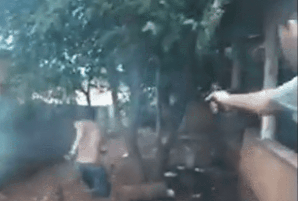 8a41e558bfe Vídeo mostra a frieza de assassinos matando homem