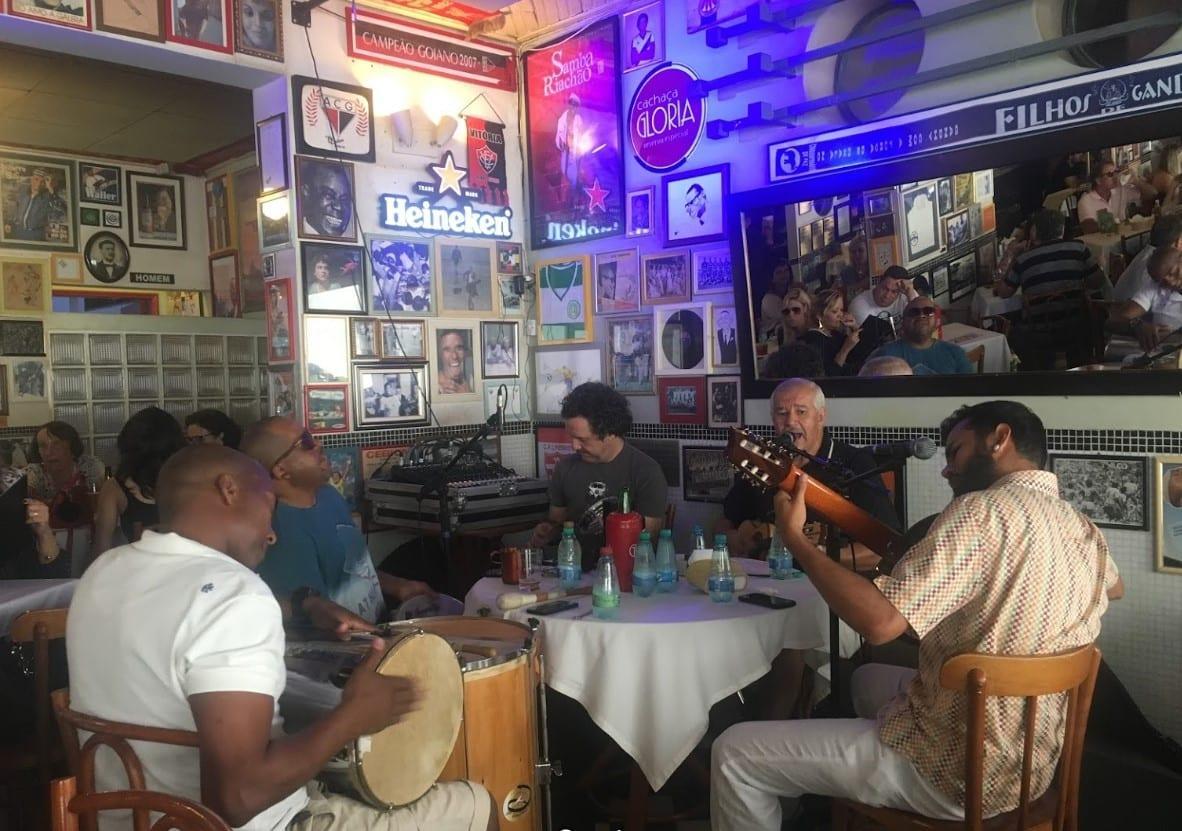 lugares para curtir um bom samba em Goiânia