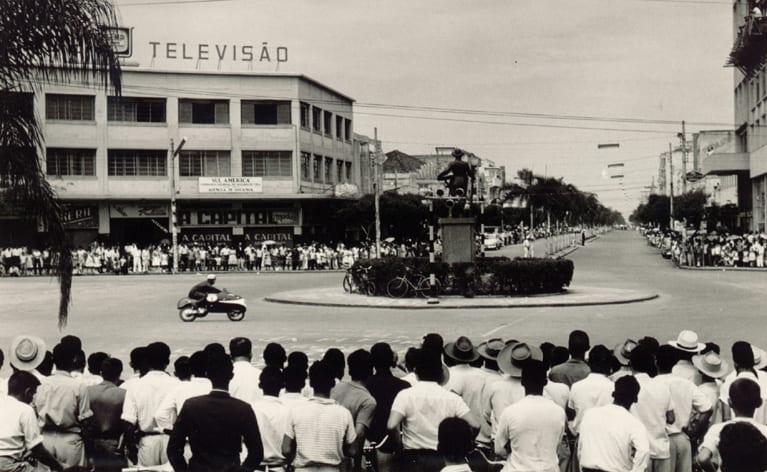 Praça do Bandeirante: conheça a história guardada pelo lugar