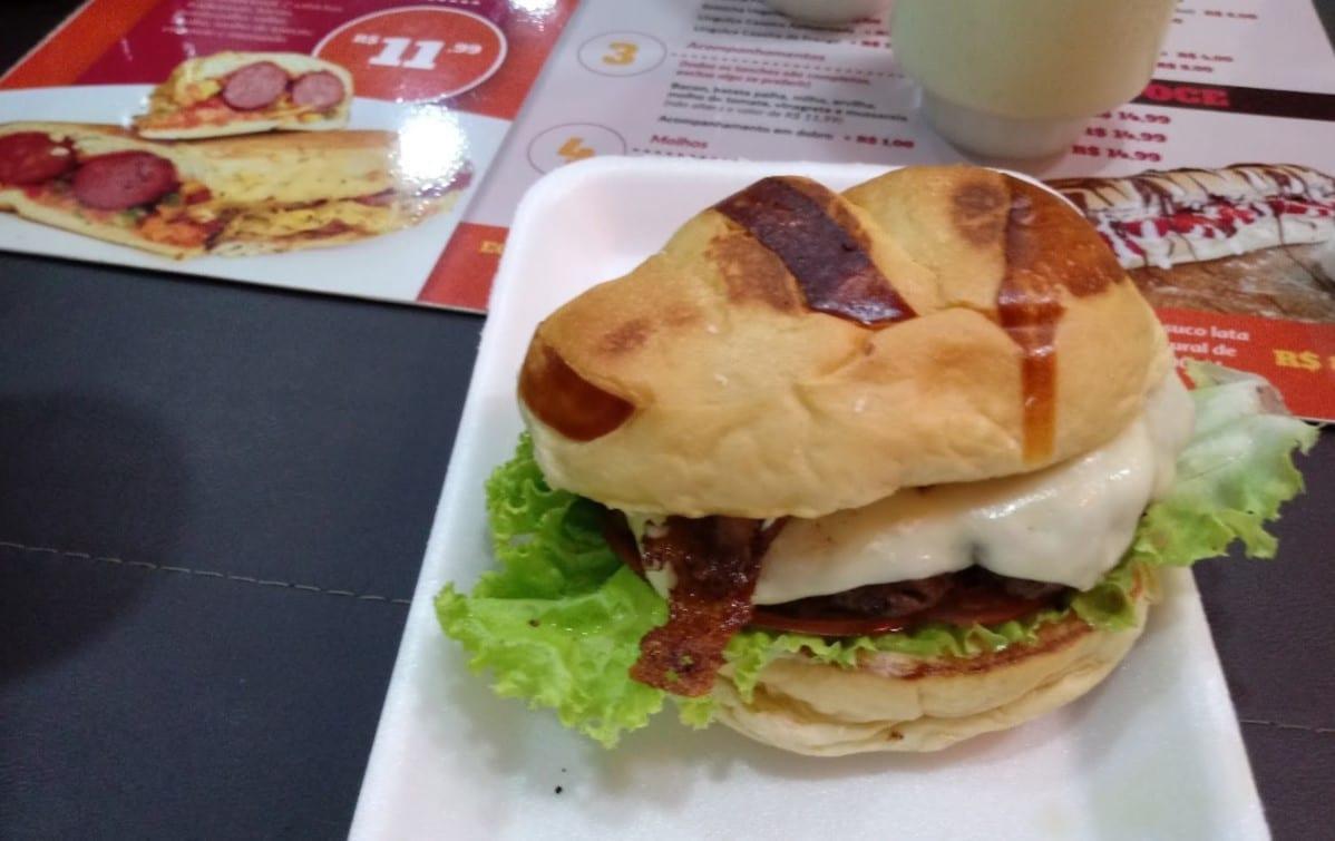 Cachorro-quente em Goiânia / hot dog