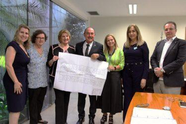 Firmada parceria para construção do Hospital da Criança, em Goiás