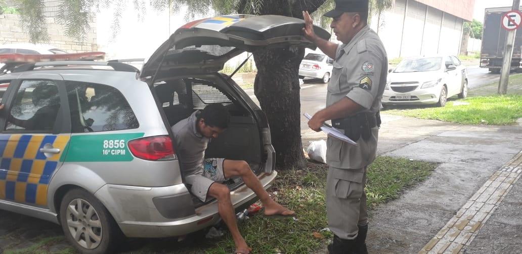 7c3ad55d27 Policiais militares levaram ao Grupo de Investigações de Homicídios (GIH)  de Aparecida de Goiânia na manhã desta terça-feira (16 4) um homem de 33  anos ...