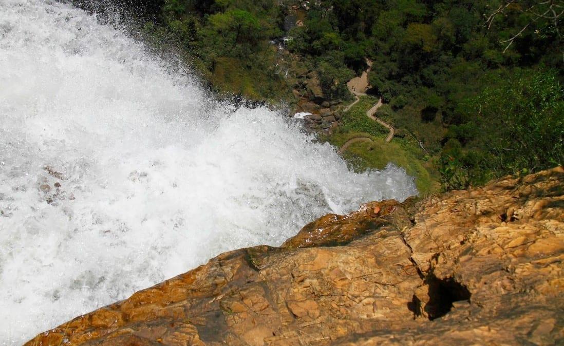 Salto do Itiquira: um verdadeiro paraíso natural em Goiás / cachoeira / Formosa