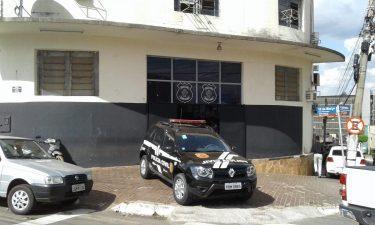 Dono de farmácia em Anápolis denúncia ex-mulher por furto de R$ 40 mil em produtos