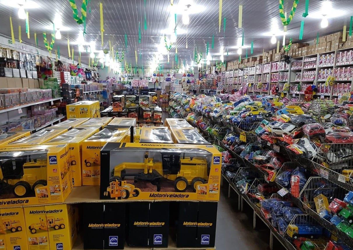 Resultado de imagem para lojas de brinquedos