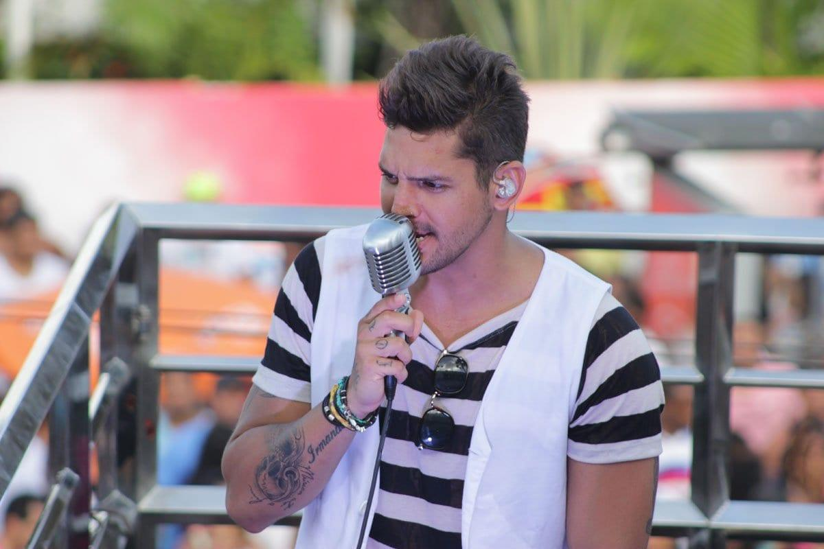 Banda Eva faz show em Goiânia e encerra o Deu Praia