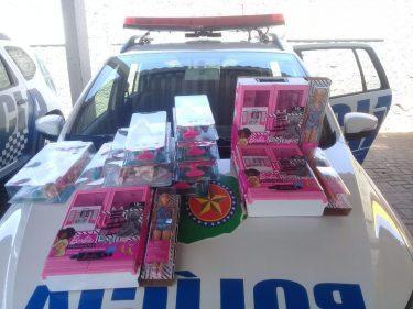 Casal é preso suspeito de furtar bonecas em loja de shopping de Goiânia
