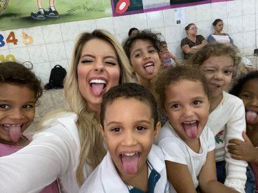 """Eri Johnson e Viviane Araújo apresentam peça """"Quem é Quem - A Comédia Ponto Com"""""""