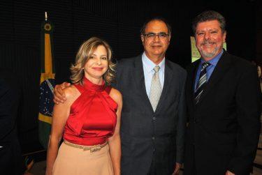 """Centro Cultural Oscar Niemeyer inaugura """"Exposição Acervo"""" com entrada gratuita"""