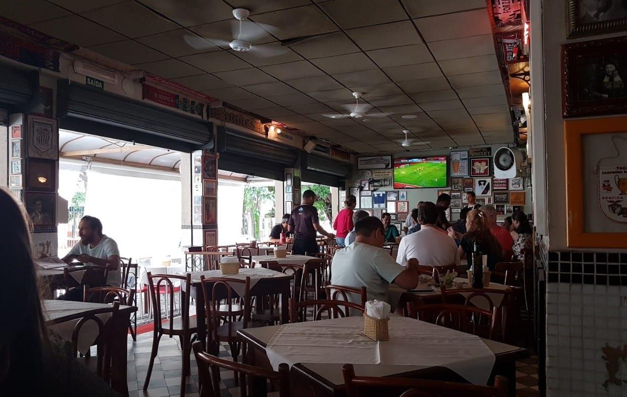 assistir futebol em Goiânia