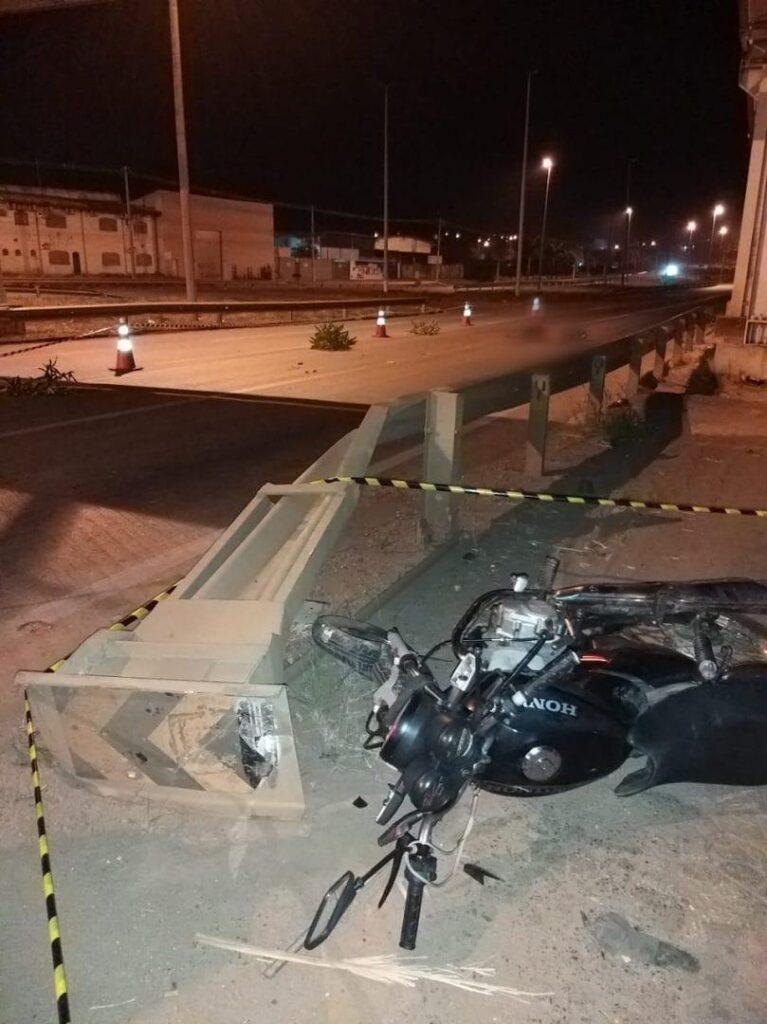 Motociclista bêbado se envolve em acidente e passageiro morre na GO-060
