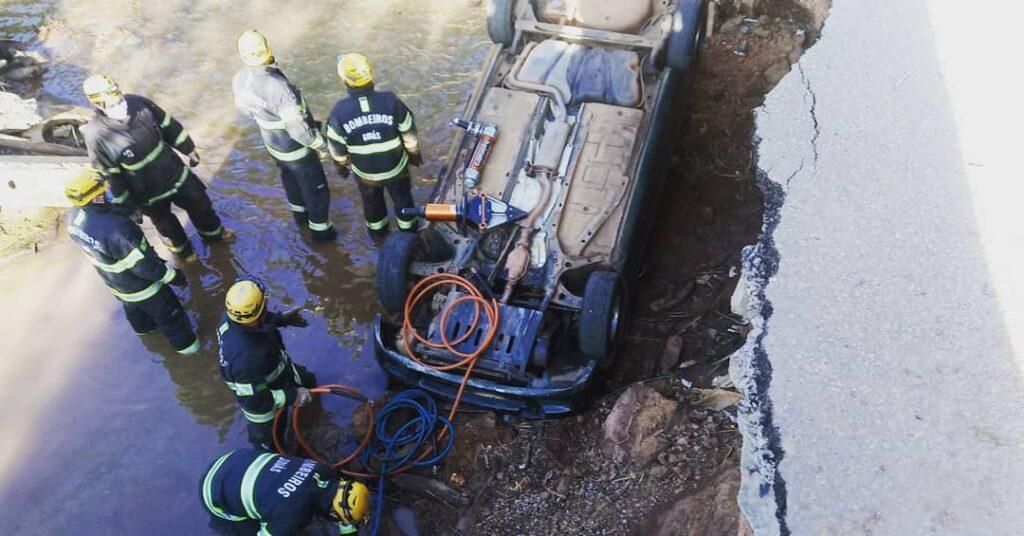 Caminhoneiro morre em acidente na BR-153, em Pontalina